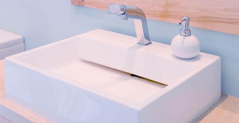 Installation et rénovation de salle de bain par votre plombier à Villeneuve-en-Retz